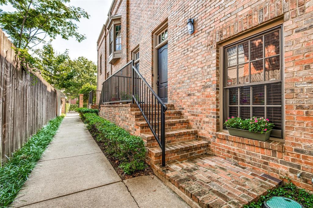 4519 Gilbert  Avenue, Dallas, Texas 75219 - acquisto real estate best realtor foreclosure real estate mike shepeherd walnut grove realtor