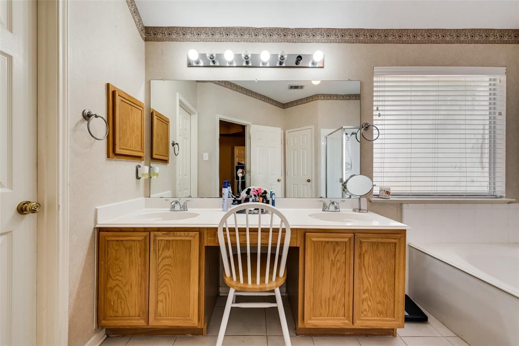 6319 Pierce Arrow  Drive, Arlington, Texas 76001 - acquisto real estate best realtor westlake susan cancemi kind realtor of the year