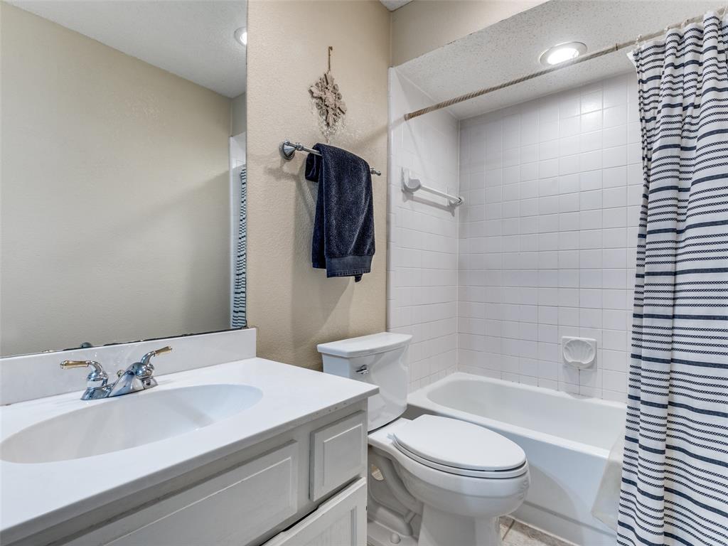 1607 San Francisco  Street, Carrollton, Texas 75007 - acquisto real estate best photos for luxury listings amy gasperini quick sale real estate