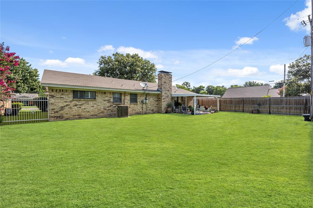 2002 Benjamin  Road, Irving, Texas 75060 - acquisto real estate best negotiating realtor linda miller declutter realtor