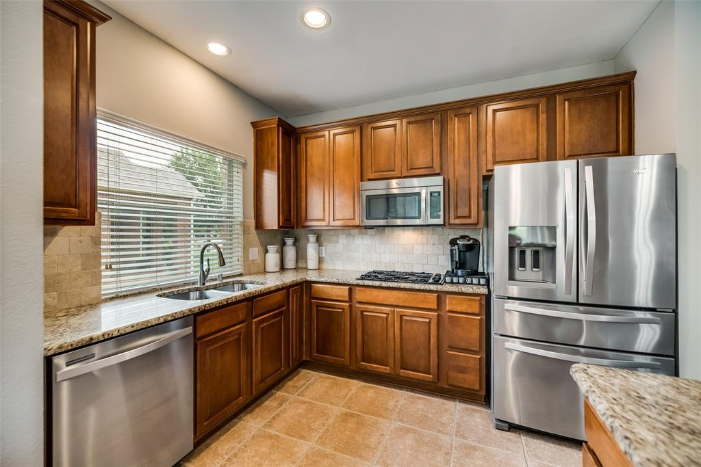 2077 Sleepy Hollow  Trail, Frisco, Texas 75033 - acquisto real estate best new home sales realtor linda miller executor real estate