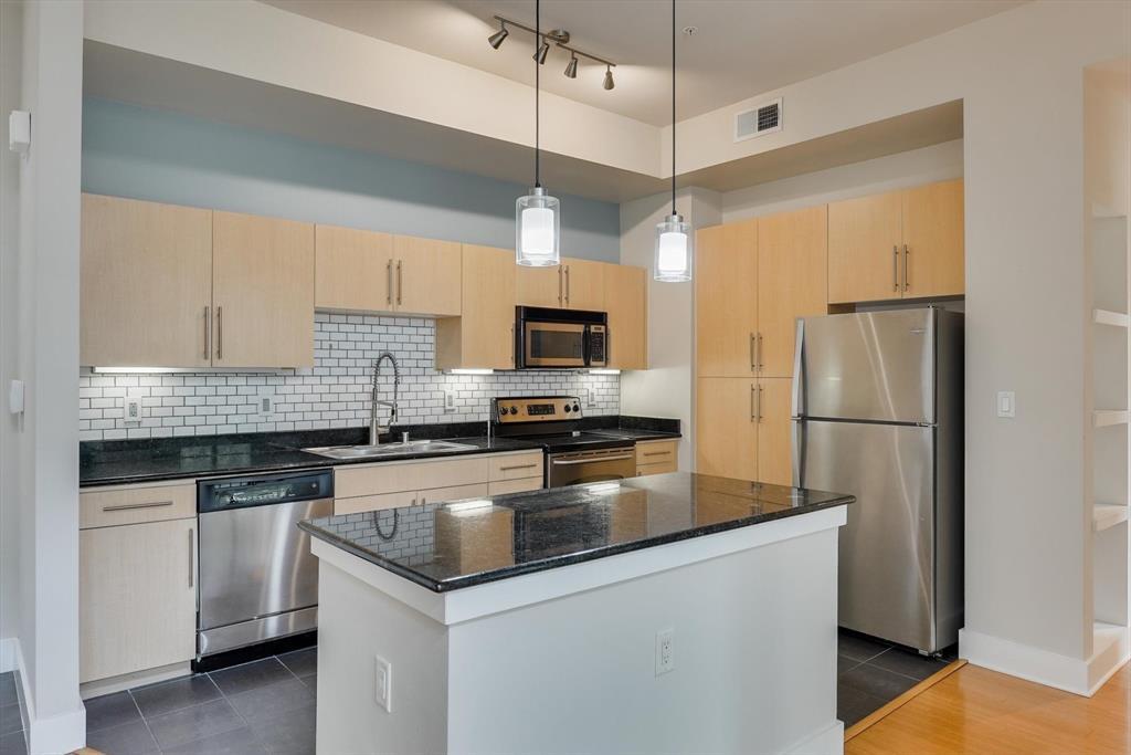 4605 Cedar Springs  Road, Dallas, Texas 75219 - acquisto real estate best highland park realtor amy gasperini fast real estate service