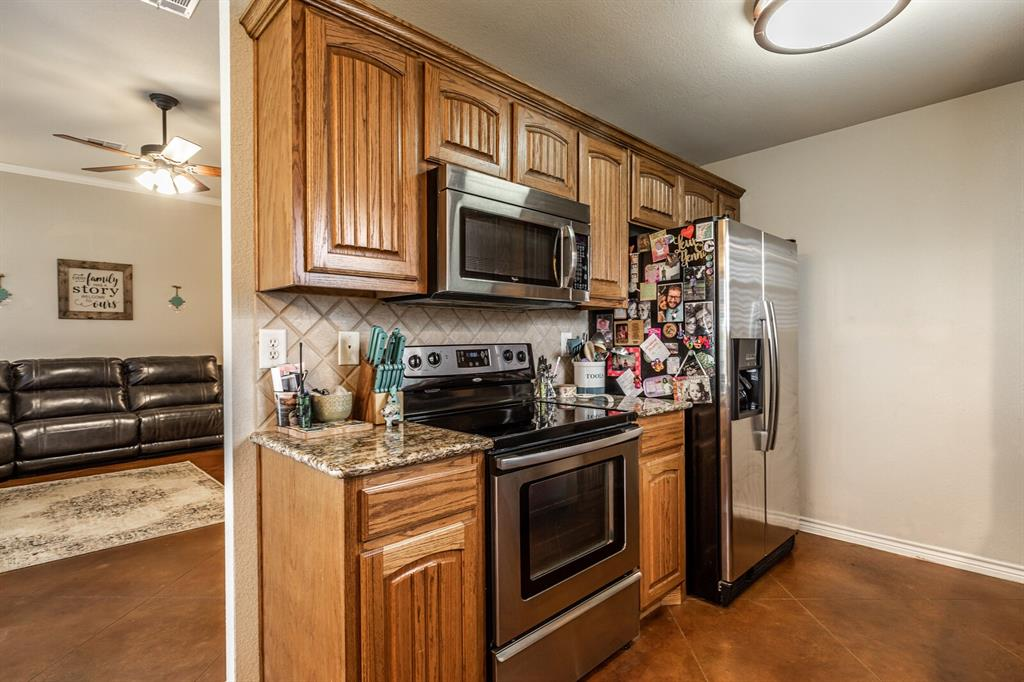 124 Joyce  Street, Whitney, Texas 76692 - acquisto real estate best negotiating realtor linda miller declutter realtor