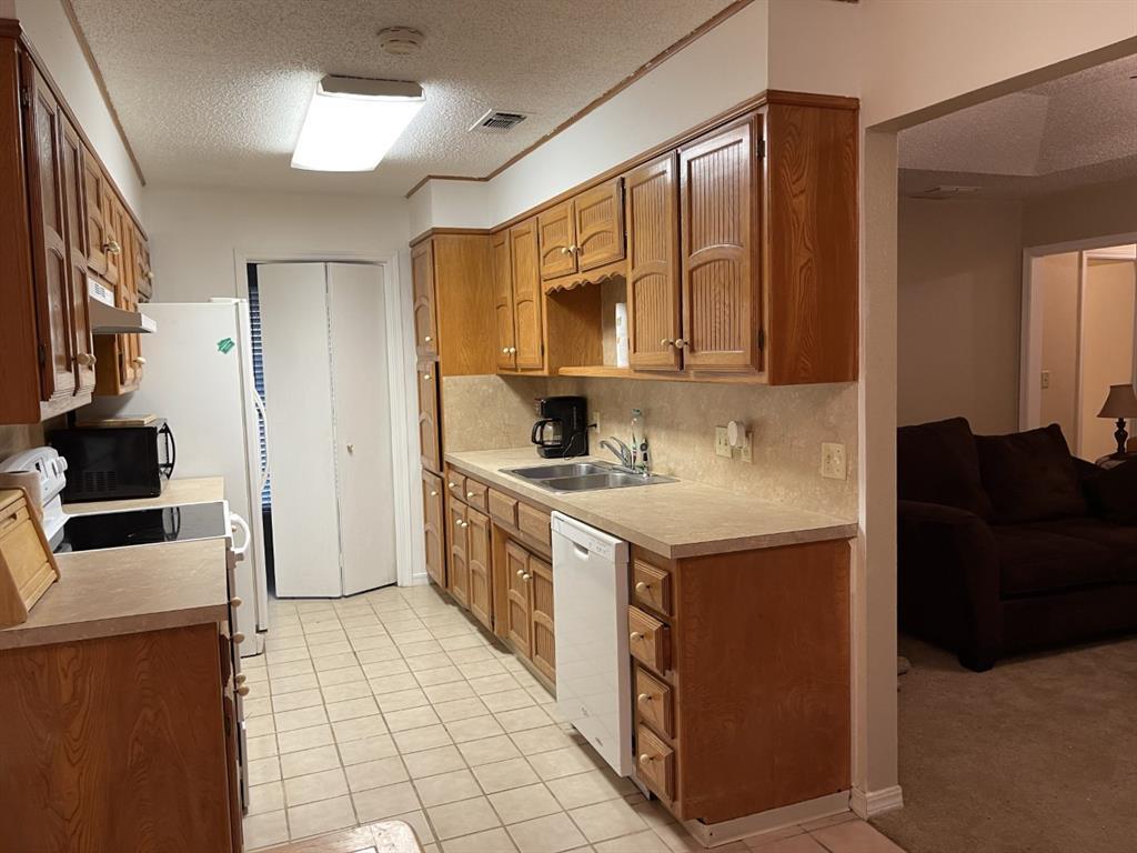 4300 Viewpark  Wichita Falls, Texas 76306 - acquisto real estate best highland park realtor amy gasperini fast real estate service