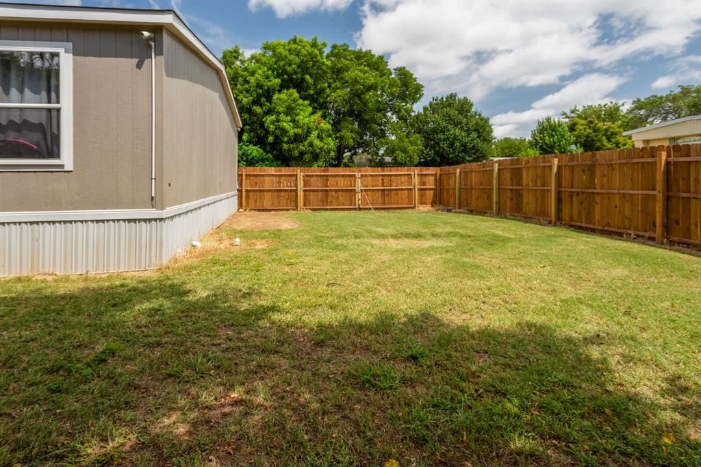 815 Whippoorwill  Drive, Granbury, Texas 76049 - acquisto real estate best plano real estate agent mike shepherd