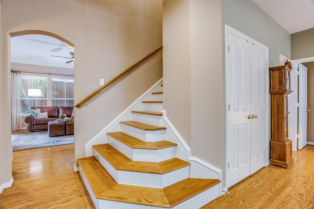 1732 Glenlivet  Drive, Dallas, Texas 75218 - acquisto real estate best the colony realtor linda miller the bridges real estate