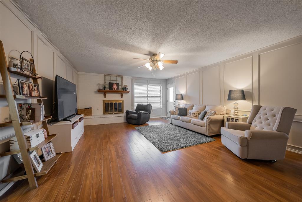 2732 Meadow Green  Bedford, Texas 76021 - Acquisto Real Estate best mckinney realtor hannah ewing stonebridge ranch expert