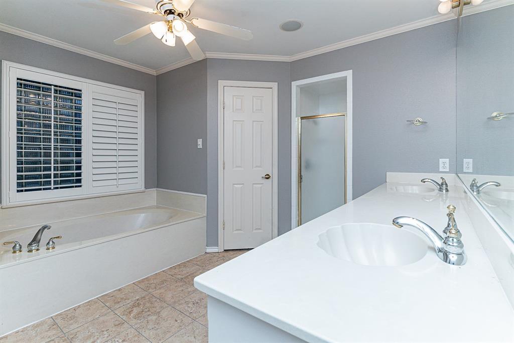 6710 Landover Hills  Lane, Arlington, Texas 76017 - acquisto real estate best realtor foreclosure real estate mike shepeherd walnut grove realtor
