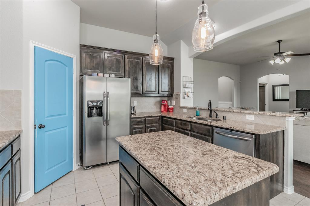 1204 Lantana  Lane, Burleson, Texas 76028 - acquisto real estate best real estate company in frisco texas real estate showings