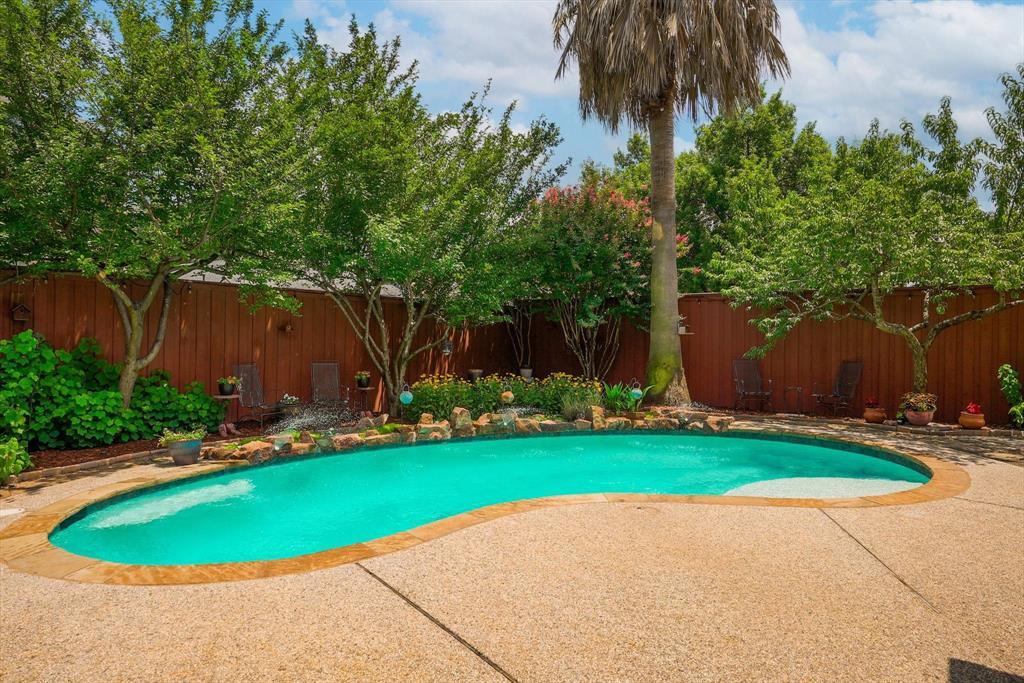 2124 Gisbourne  Drive, Flower Mound, Texas 75028 - acquisto real estate best negotiating realtor linda miller declutter realtor