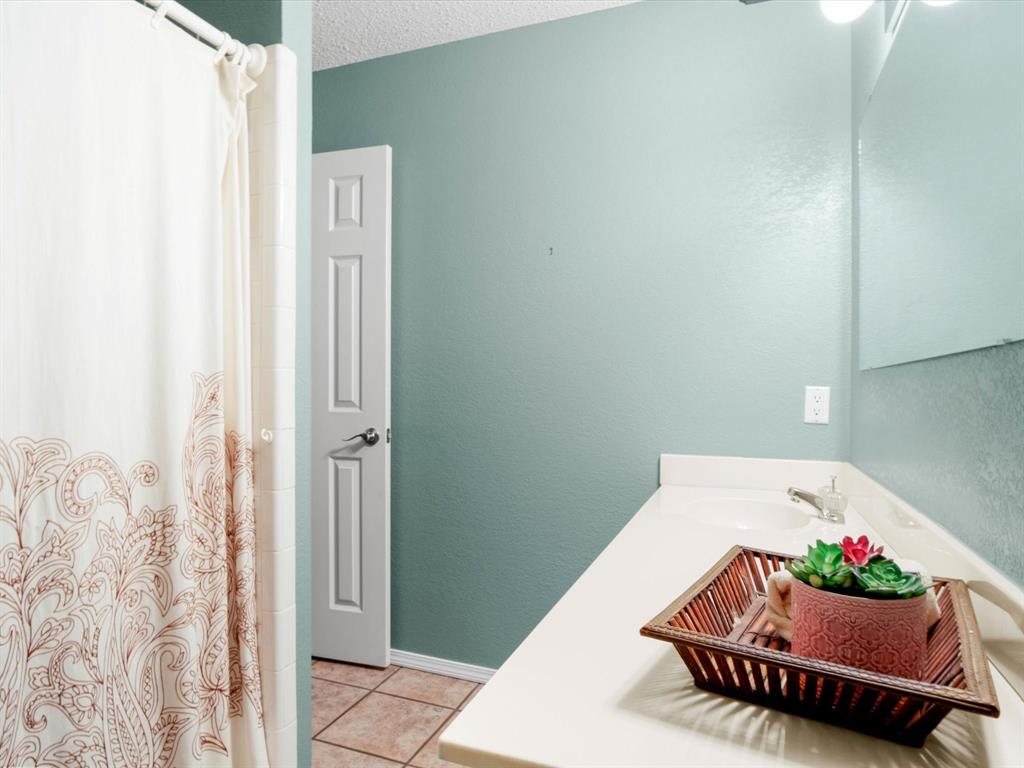 505 Oak Hollow  Lane, Fort Worth, Texas 76112 - acquisto real estate best designer and realtor hannah ewing kind realtor