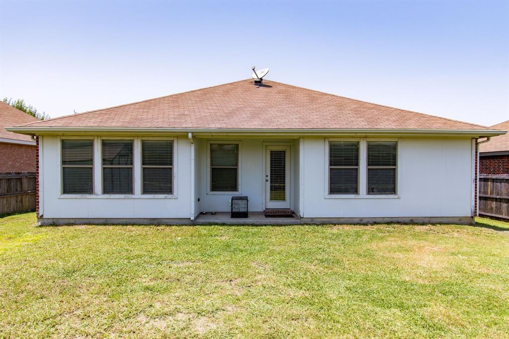 2032 Times  Road, Heartland, Texas 75126 - acquisto real estate best negotiating realtor linda miller declutter realtor