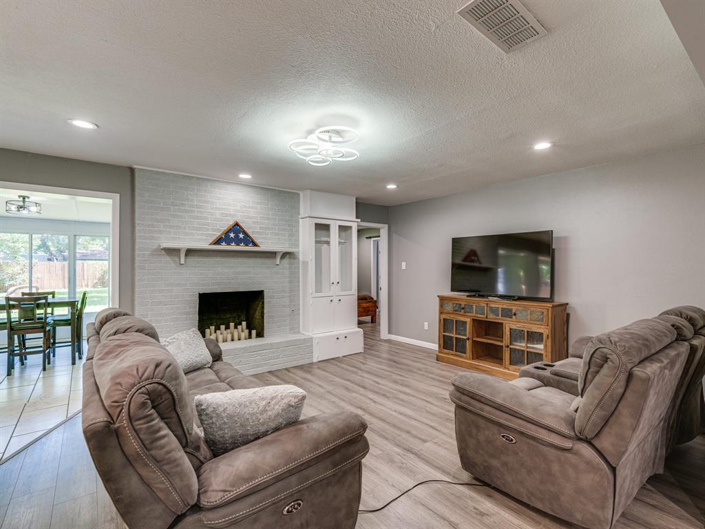 1719 Nueces  Trail, Arlington, Texas 76012 - acquisto real estate best highland park realtor amy gasperini fast real estate service