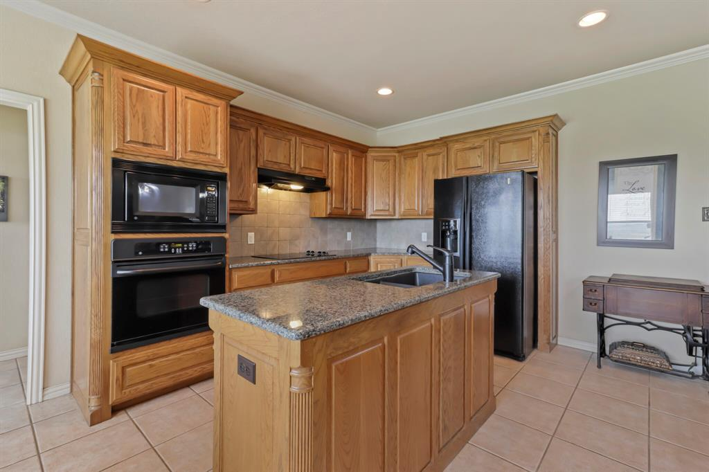 4760 Bonnie Brae  Street, Denton, Texas 76207 - acquisto real estate best new home sales realtor linda miller executor real estate