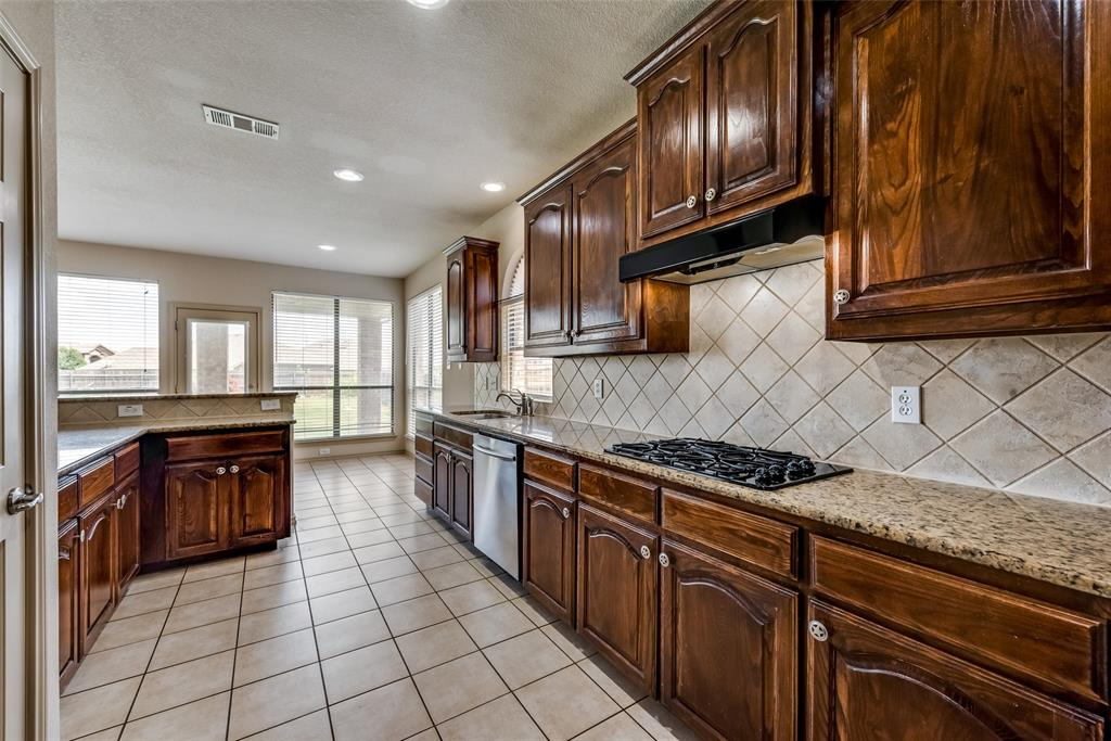 1929 Winter Hawk  Drive, Fort Worth, Texas 76177 - acquisto real estate best the colony realtor linda miller the bridges real estate