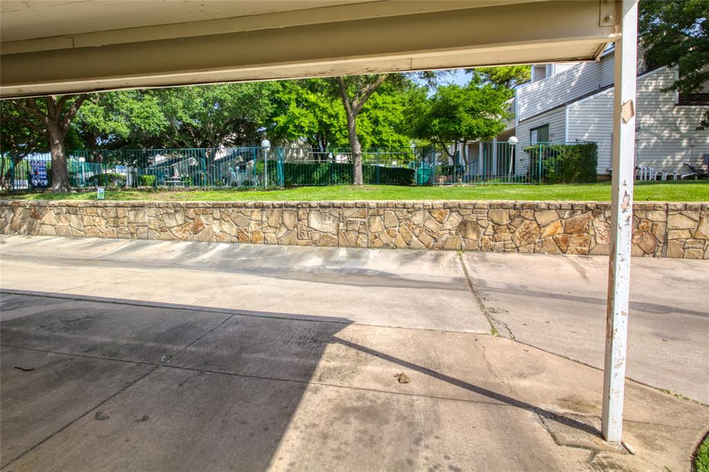 719 Creekwood  Court, Lewisville, Texas 75067 - acquisto real estate best frisco real estate agent amy gasperini panther creek realtor