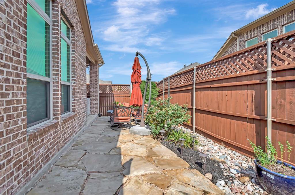 417 Chestnut  Lane, Roanoke, Texas 76262 - acquisto real estate best realtor dfw jody daley liberty high school realtor
