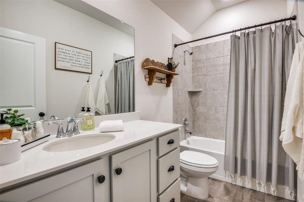 2805 Half Moon  Road, Aubrey, Texas 76227 - acquisto real estate best investor home specialist mike shepherd relocation expert