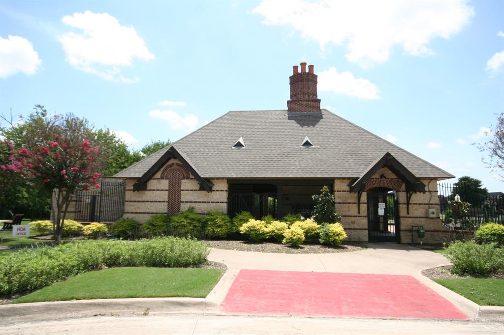 5108 Brookside  Drive, Denton, Texas 76226 - acquisto real estate best looking realtor in america shana acquisto
