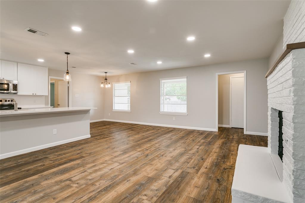 2108 Stonegate  Drive, Bedford, Texas 76021 - acquisto real estate best real estate company in frisco texas real estate showings