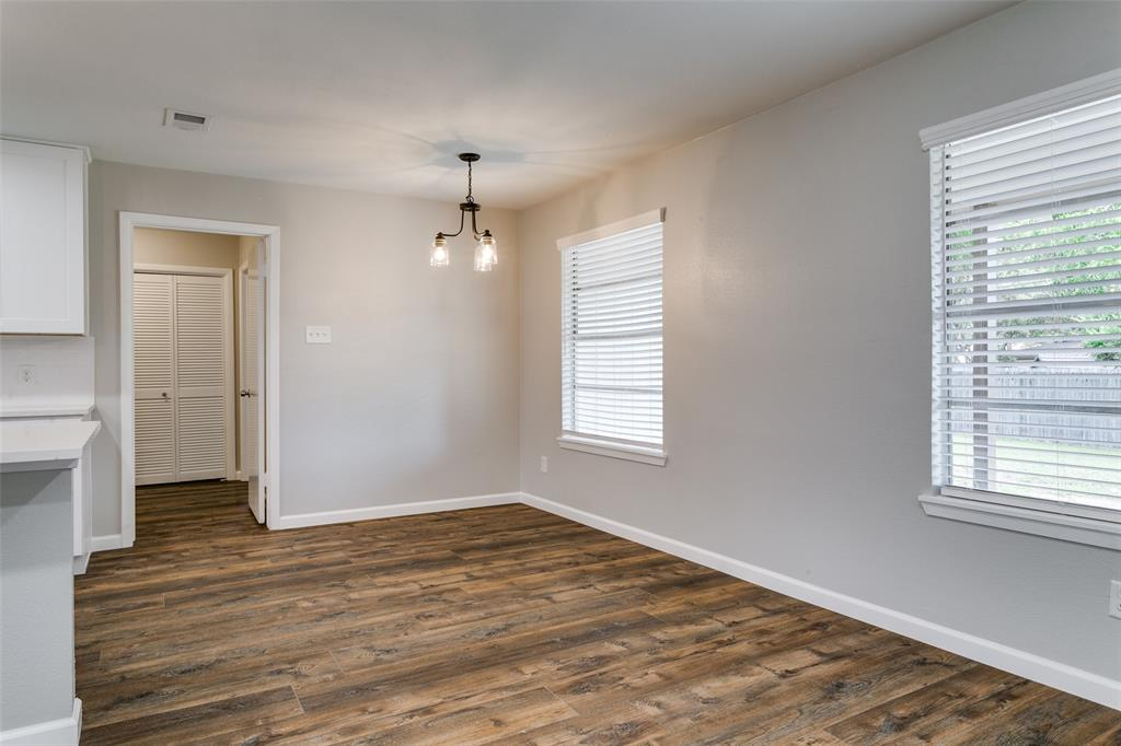 2108 Stonegate  Drive, Bedford, Texas 76021 - acquisto real estate best new home sales realtor linda miller executor real estate