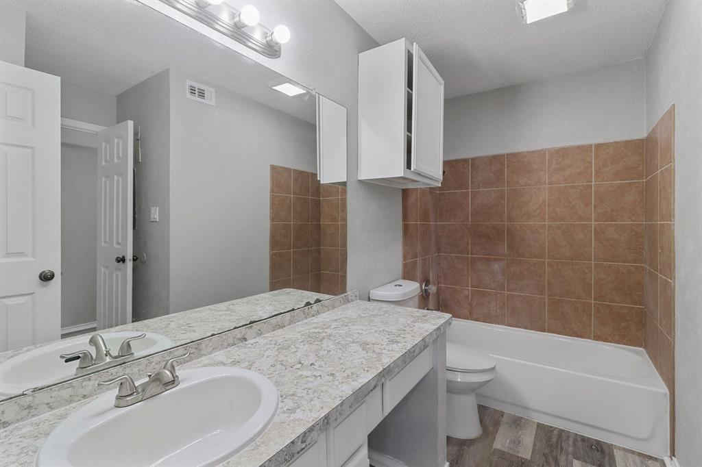 9601 Forest  Lane, Dallas, Texas 75243 - acquisto real estate best real estate company to work for