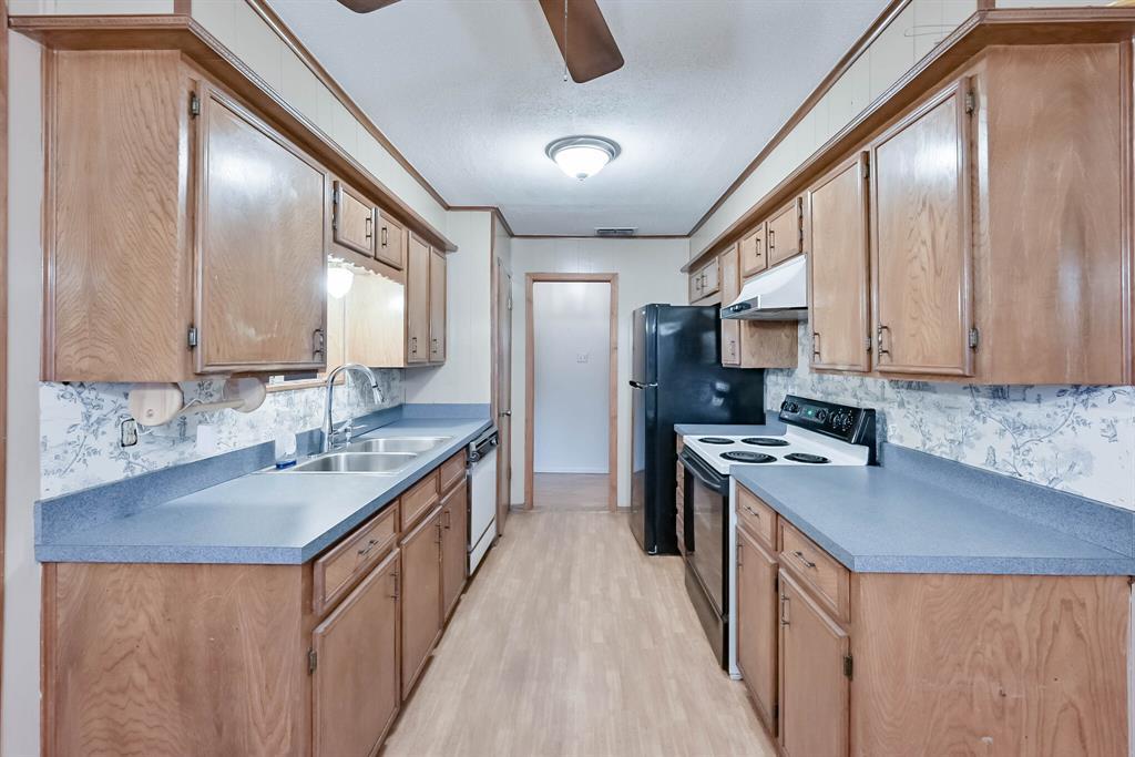3709 Northpark  Drive, Corsicana, Texas 75110 - acquisto real estate best highland park realtor amy gasperini fast real estate service