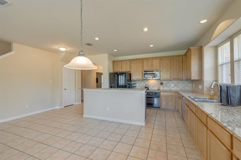 3609 Dalton  Street, Fort Worth, Texas 76244 - acquisto real estate best designer and realtor hannah ewing kind realtor