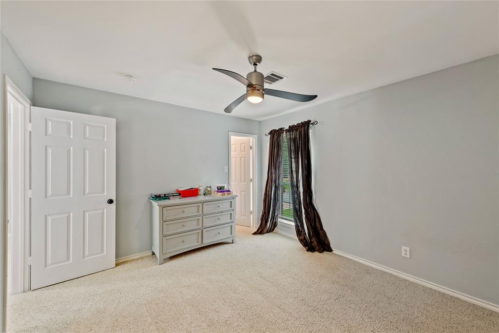 1121 Winding Creek  Drive, Grapevine, Texas 76051 - acquisto real estate best realtor dfw jody daley liberty high school realtor