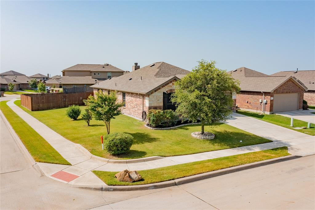 14344 Broomstick  Road, Fort Worth, Texas 76052 - acquisto real estate best the colony realtor linda miller the bridges real estate