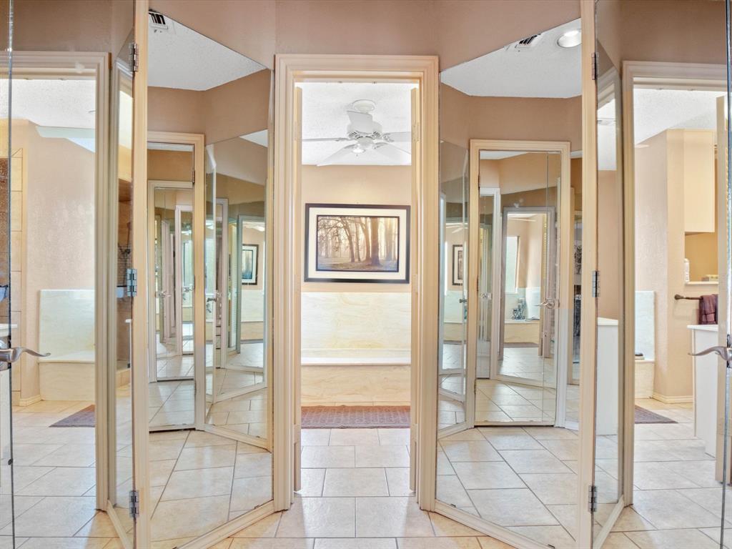505 Oak Hollow  Lane, Fort Worth, Texas 76112 - acquisto real estate best luxury buyers agent in texas shana acquisto inheritance realtor