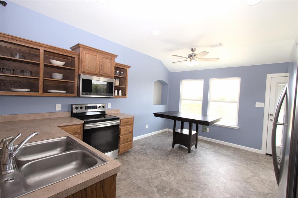 621 Sparrow  Drive, Saginaw, Texas 76131 - acquisto real estate best new home sales realtor linda miller executor real estate