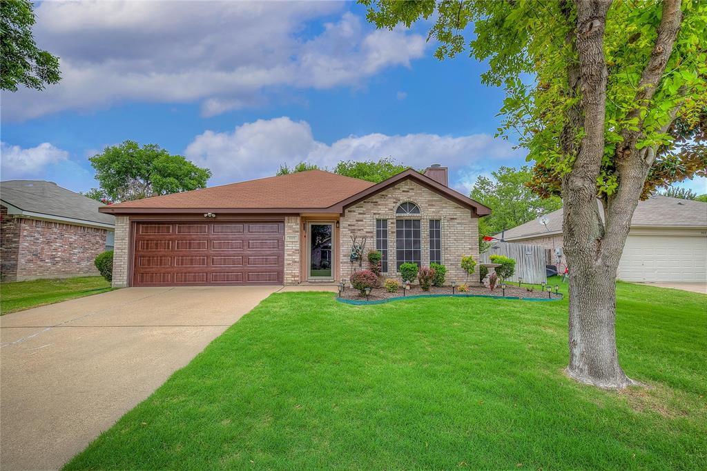 3005 Scenic Glen  Drive, Mansfield, Texas 76063 - Acquisto Real Estate best plano realtor mike Shepherd home owners association expert