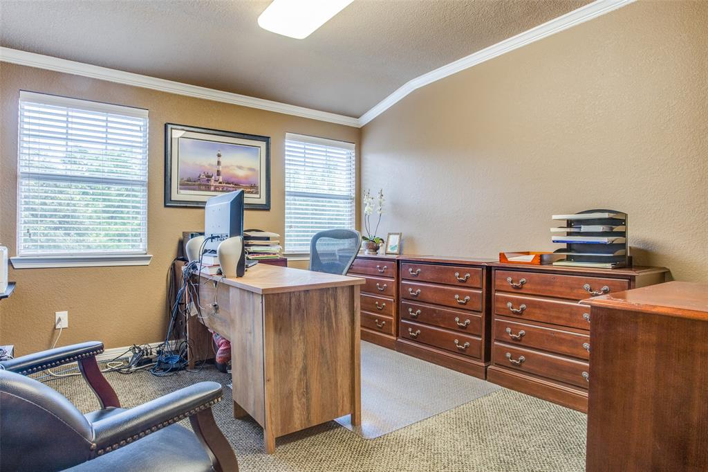 1732 Glenlivet  Drive, Dallas, Texas 75218 - acquisto real estate best realtor foreclosure real estate mike shepeherd walnut grove realtor