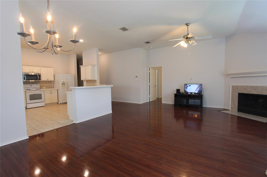 2844 Milby Oaks  Drive, Fort Worth, Texas 76244 - acquisto real estate best prosper realtor susan cancemi windfarms realtor