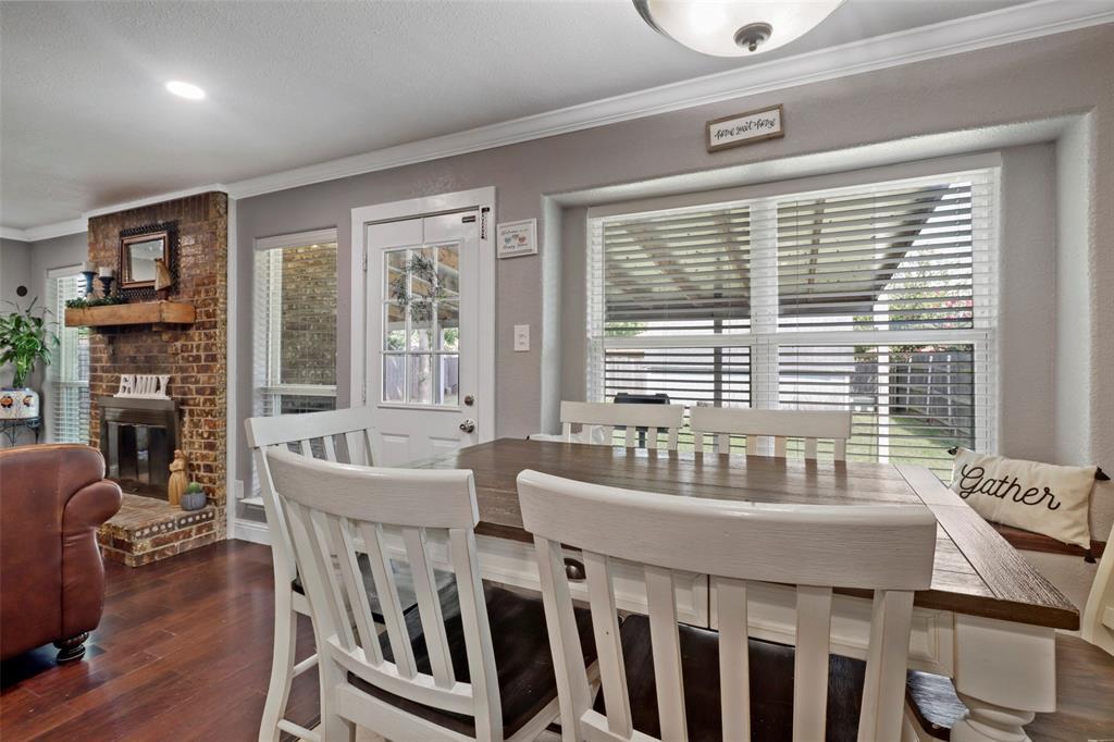 5303 Smoke Tree  Drive, Arlington, Texas 76018 - acquisto real estate best photos for luxury listings amy gasperini quick sale real estate