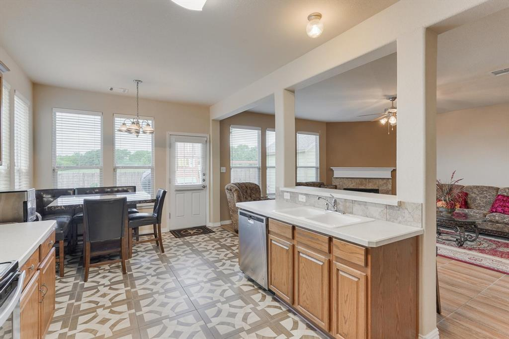 4821 Lemon Grove  Drive, Fort Worth, Texas 76135 - acquisto real estate best new home sales realtor linda miller executor real estate