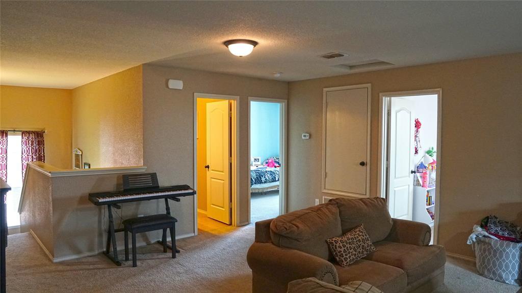 4511 Hummingbird  Drive, Sherman, Texas 75092 - acquisto real estate best listing listing agent in texas shana acquisto rich person realtor