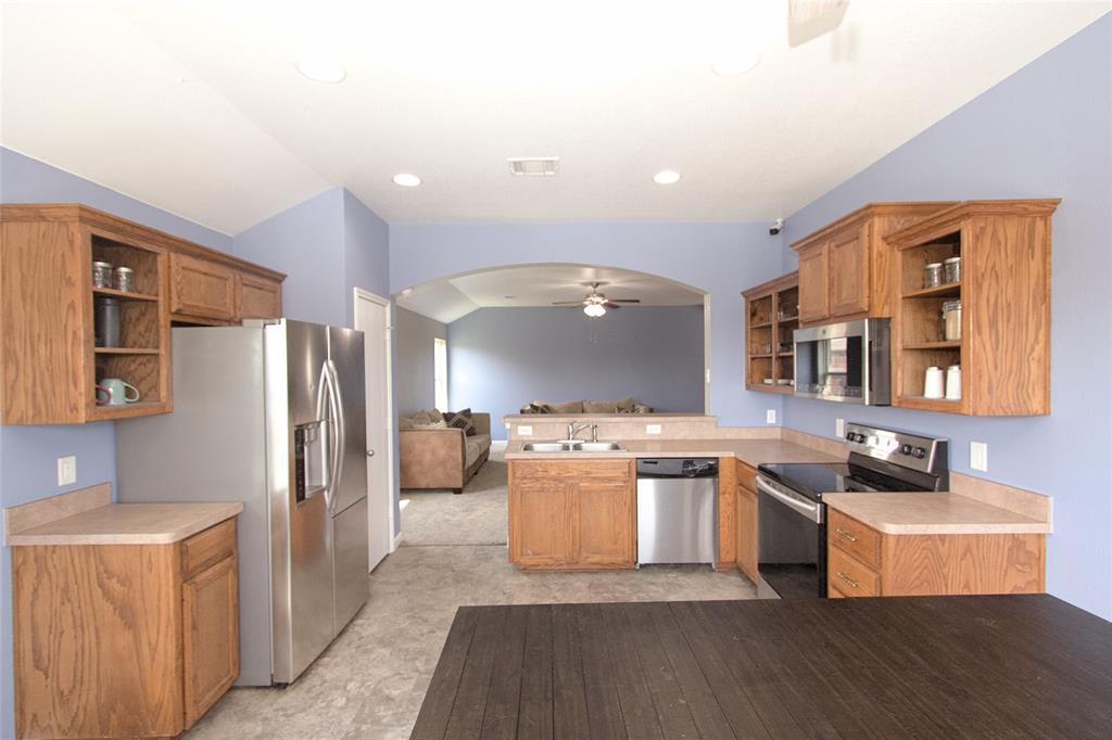 621 Sparrow  Drive, Saginaw, Texas 76131 - acquisto real estate best designer and realtor hannah ewing kind realtor