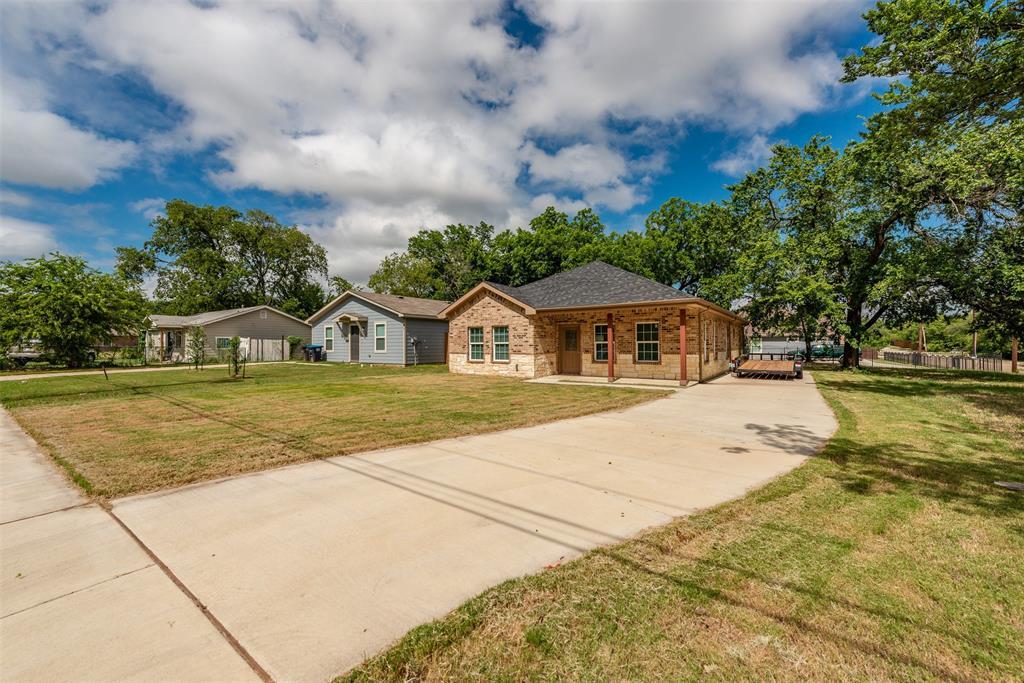 1745 Dillard  Street, Fort Worth, Texas 76105 - acquisto real estate best allen realtor kim miller hunters creek expert