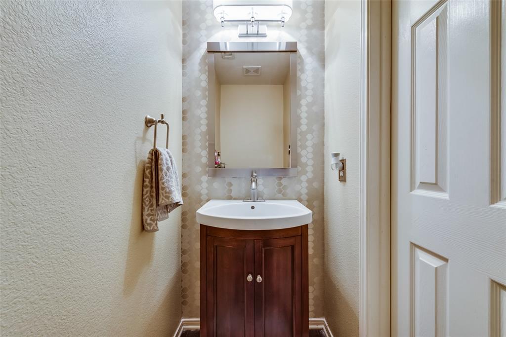 6319 Pierce Arrow  Drive, Arlington, Texas 76001 - acquisto real estate best luxury buyers agent in texas shana acquisto inheritance realtor