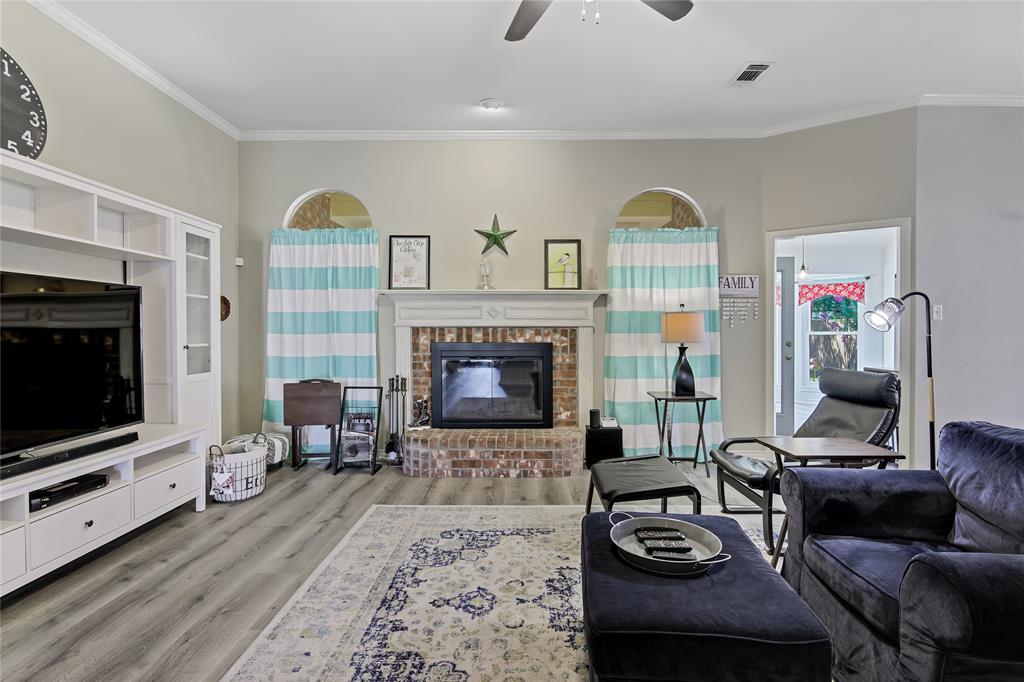 905 Canterbury  Drive, Saginaw, Texas 76179 - acquisto real estate best prosper realtor susan cancemi windfarms realtor