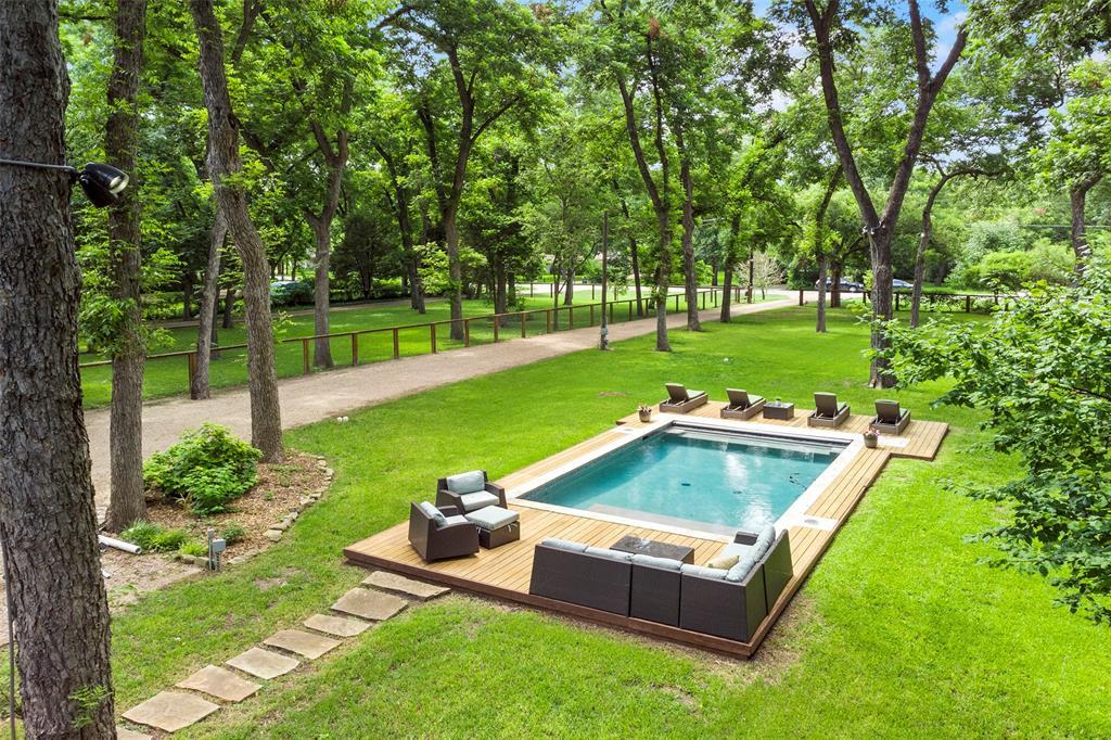 8176 Barbaree  Boulevard, Dallas, Texas 75228 - acquisto real estate best prosper realtor susan cancemi windfarms realtor