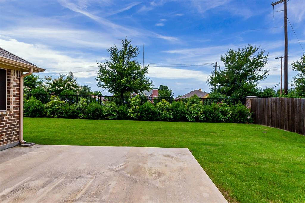 5025 Hidden Creek  Road, Garland, Texas 75043 - acquisto real estate best frisco real estate agent amy gasperini panther creek realtor