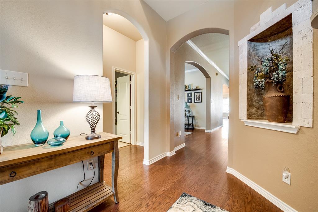 5709 Eagle Mountain  Drive, Denton, Texas 76226 - acquisto real estate best allen realtor kim miller hunters creek expert