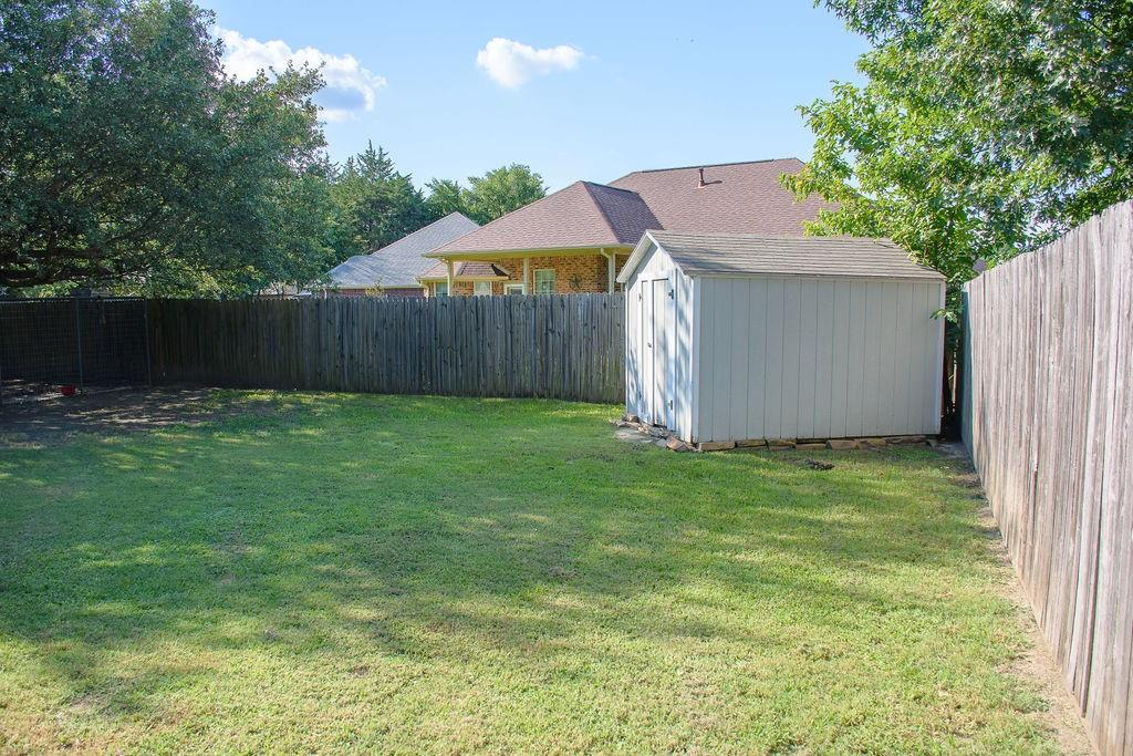 206 Hackberry  Drive, Greenville, Texas 75402 - acquisto real estate best the colony realtor linda miller the bridges real estate