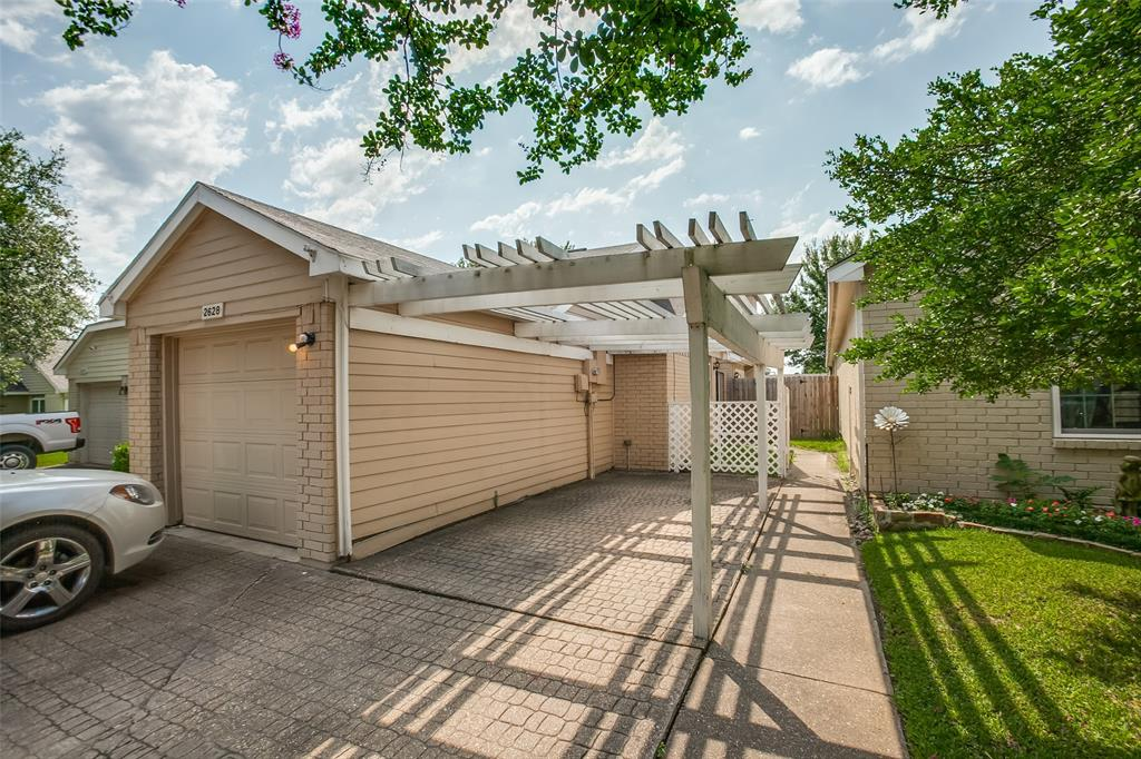 2628 Glenmore  Drive, Mesquite, Texas 75150 - Acquisto Real Estate best plano realtor mike Shepherd home owners association expert