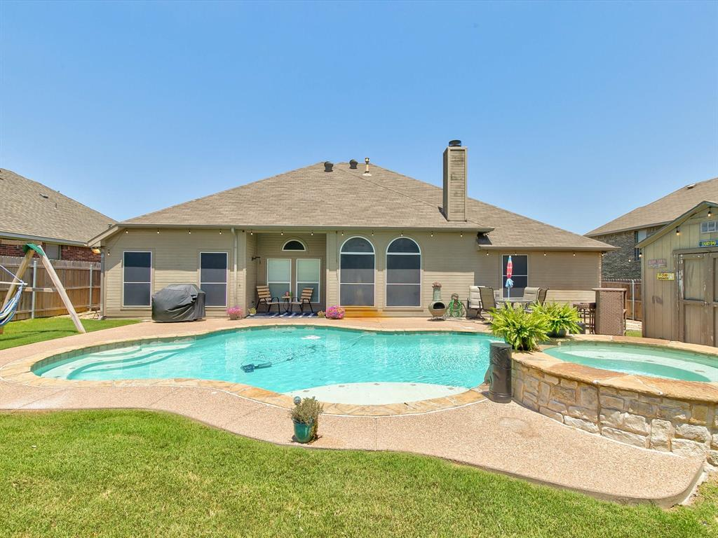 2973 Lakeview  Circle, Burleson, Texas 76028 - acquisto real estate best plano real estate agent mike shepherd