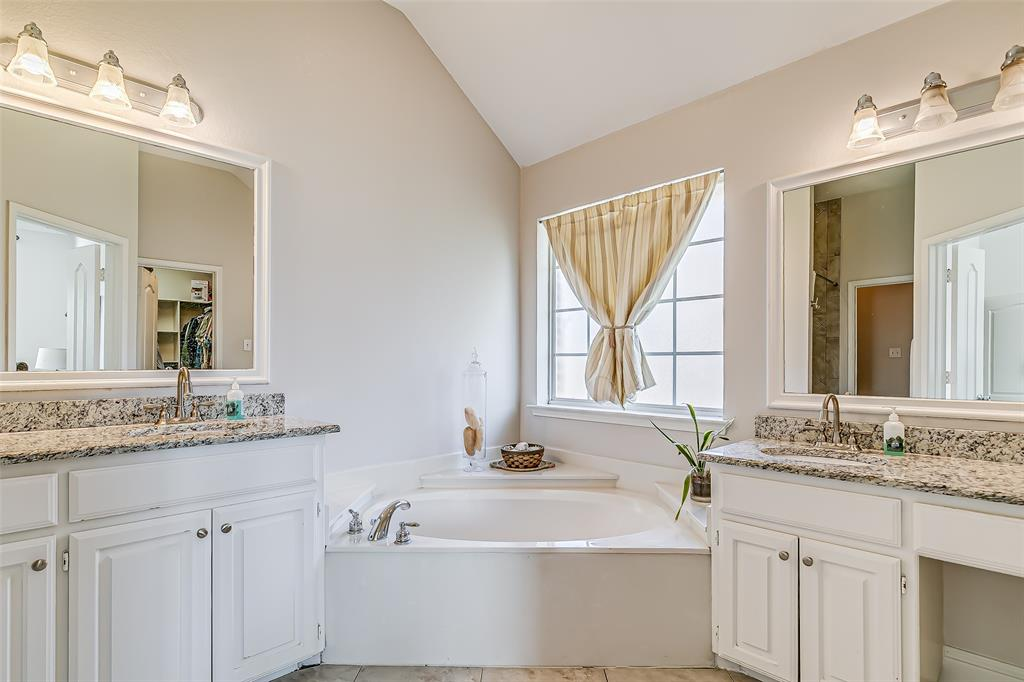 7308 Spring Oak  Drive, North Richland Hills, Texas 76182 - acquisto real estate best photo company frisco 3d listings