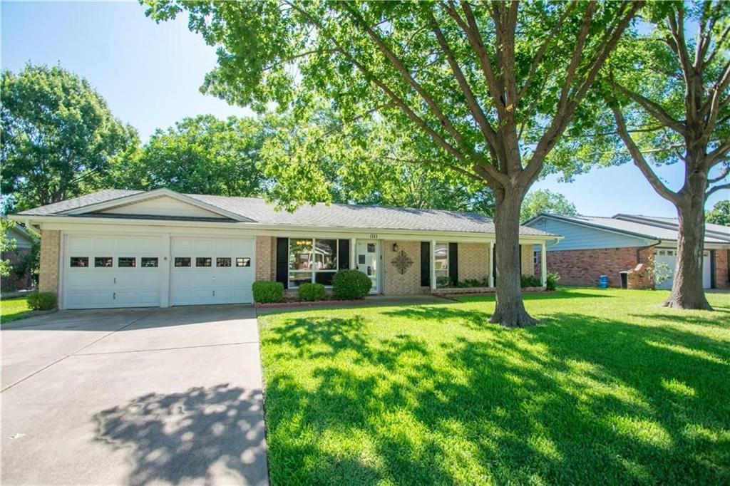 1111 Johnson  Street, Benbrook, Texas 76126 - Acquisto Real Estate best mckinney realtor hannah ewing stonebridge ranch expert